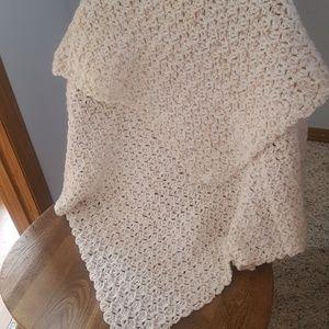 🌼New Handmade Crocheted Baby Blanket 37 x 37 🌼